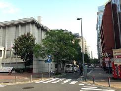 県立歴史博物館を通過
