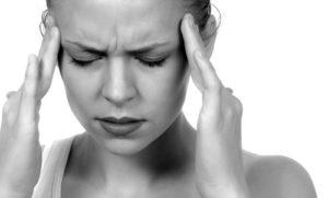 ストレートネックが原因の頭痛・首痛・肩こり