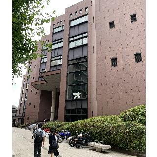 横浜中央図書館